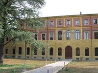 facciata della Palazzina ex Direzione sanitaria Lolli sede Poli Città di Imola
